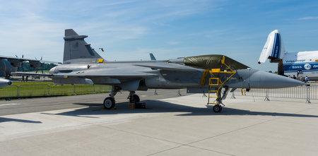 ベルリン, ドイツ - 2014 年 5 月 21 日: 戦闘・攻撃・偵察機サーブ JAS 39 グリペン。チェコ空軍。展示 ILA は、ベルリン航空ショー 2014 報道画像