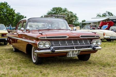 bel air: PAAREN IM GLIEN, GERMANY - JUNE 03, 2017: Full-size car Chevrolet Bel Air 4-Door Sedan, 1959. Exhibition Die Oldtimer Show. Editorial
