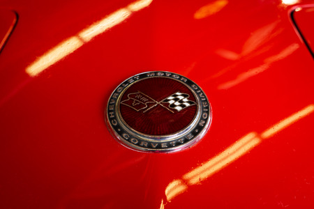 PAAREN IM GLIEN, GERMANY - MAY 19, 2018: The emblem of sports car Chevrolet Corvette Stingray (C3), 1973. Die Oldtimer Show 2018. Editorial