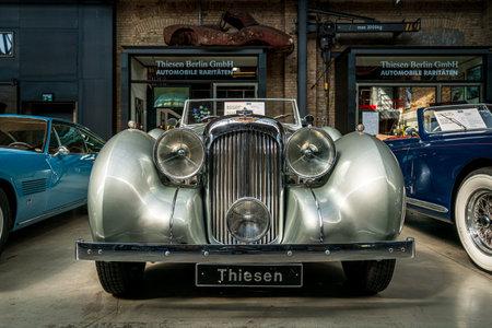 BERLIN - MAY 11, 2019: Retro car Lagonda V12 Drophead Coupe, 1938. 32th Berlin-Brandenburg Oldtimer Day. Redakční
