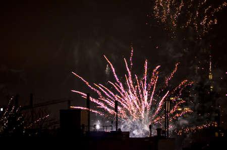 neue Jahr Feuerwerk in Berlin mit Fernsehturm Standard-Bild