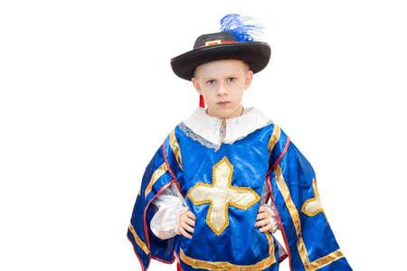 mosquetero: La foto muestra a un niño en un traje de mosqueteros