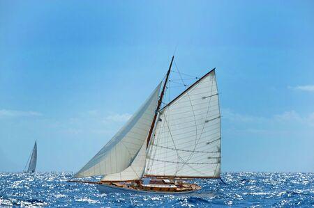 sea wave: Sailboat, regatta.