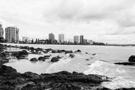 coolangatta: I grattacieli di Coolangatta in bianco e nero