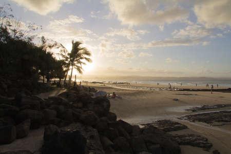 coolangatta: Il tramonto della spiaggia di coolangatta, raybow beach
