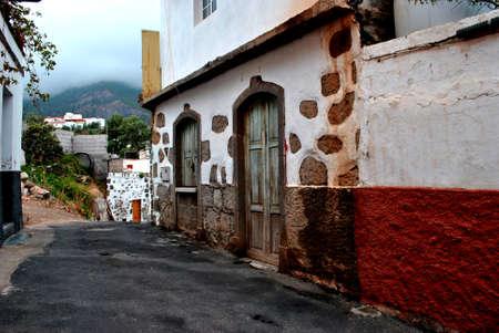 old house-old door