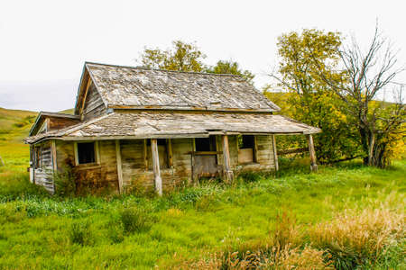 When you drive the back countries of the province you are always reminded of the hisory with the site of abondoned farm houses and estates of yester year