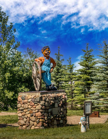 Roadside attraction Clem T Gofur in downtown square Torrington Alberta Canada Banque d'images