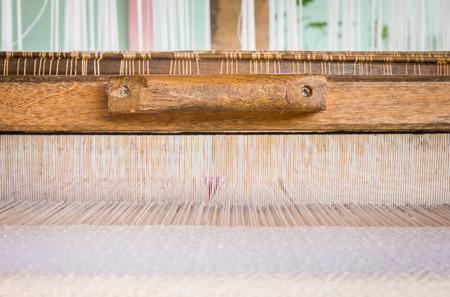 hand held: Tenuto di telaio per macchina per tessere a mano a mano in legno