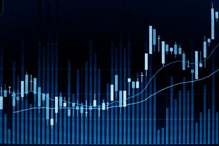 Beurs kaars grafiek analyse op het scherm. Stockfoto