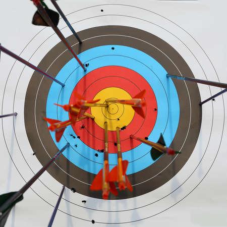 矢印ヒット ターゲット、成功のコンセプト 写真素材