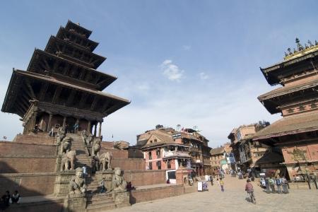 Vierkant van Bhaktapur Durbar, BHAKTAPUR, NEPAL-26 maart: Zicht op Taumadhi-Platz in Bhaktapur op 26 maart 2013. Bhaktapur Durbar Square Het is 1 van de 3 Durbar Squares in de Kathmandu vallei in Nepal. Redactioneel