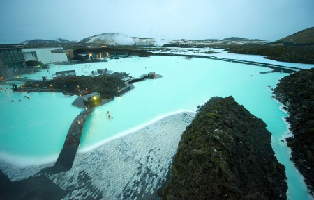 hot spring: The Blue Lagoon geothermal bath resort in Iceland