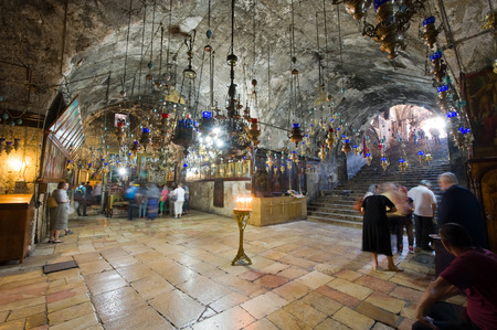 JERUSALEM, ISRAEL - 09 OCT, 2014: Interior of the Tomb of the Virgin Mary, the mother of Jesus at the foot of mount of olives in Jerusalem Редакционное