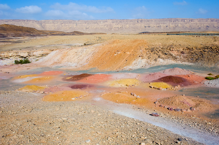 Colored sand in the Makhtesh ramon crater in the negev desert Banco de Imagens