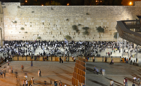 jewish people: JERUSALEM, ISRAEL - OCT 09, 2014: Jewish people are praying in the evening in front of the western wall in the old city of Jerusalem