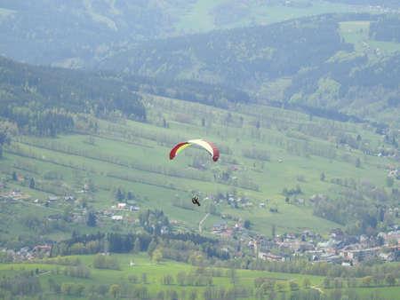 paraglide: Flying to paraglide