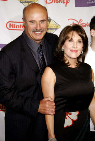 starlight: Dr. Phil McGraw and wife Robin McGraw attend the 2007 Starlight Starbright Children Foundation Gala held at the Beverly Hilton Hotel in Beverly Hills, California on March 23, 2007.