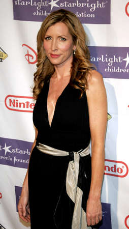 Heather Mills attends the 2007 Starlight Starbright Childrens Foundation Gala held at the Beverly Hilton Hotel in Beverly Hills, California on March 23, 2007 Редакционное