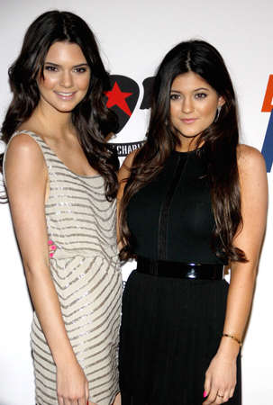 Kendall Jenner and Kylie Jenner at the 19th Annual Race To Erase MS held at the Hyatt Regency Century Plaza in Los Angeles, CA. 18th May 2012 新聞圖片