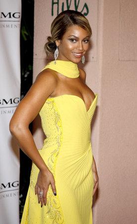2008 年 2 月 10 日ビバリーヒルズのビバリーヒルズ ホテルで開催されたパーティーの後 2008 ソニー BMG グラミー賞でビヨンセ