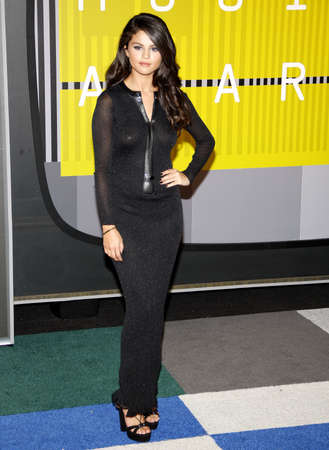 gomez: LOS ANGELES, CA - AUGUST 30, 2015: Selena Gomez at the 2015 MTV Video Music Awards held at the Microsoft Theater in Los Angeles, USA on August 30, 2015.