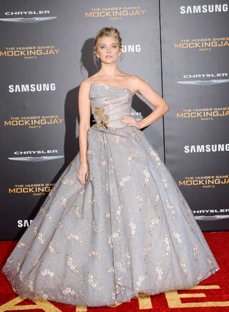 dormer: Natalie Dormer at the Los Angeles premiere of The Hunger Games: Mockingjay - Part 2 held at the Microsoft Theatre in Los Angeles, USA on November 16, 2015.