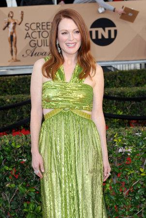 第 22 回映画俳優組合賞でジュリアン ・ ムーアは、2016 年 1 月 30 日にアメリカ、ロサンゼルスのシュライン ・ オーディトリアムで開催。