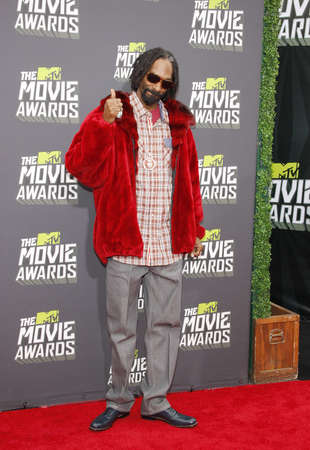 snoop: Snoop Dogg at the 2013 MTV Movie Awards held at the Sony Pictures Studios in Los Angeles, USA on April 14, 2013. Editorial