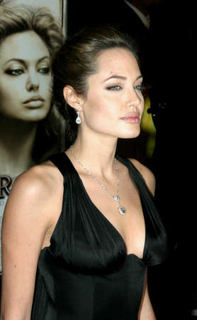 angelina jolie: HOLLYWOOD, CA - NOVEMBER 16, 2004: Angelina Jolie at the Los Angeles premiere of Alexander held at the Graumans Chinese Theater in Hollywood, USA on November 16, 2004.