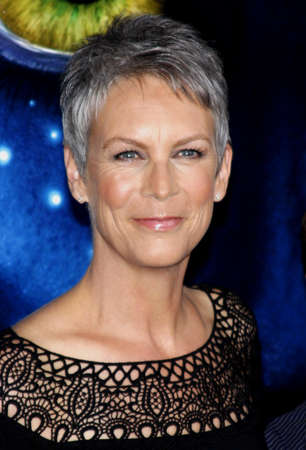 curtis: Jamie Lee Curtis at the Los Angeles premiere of Avatar held at the Graumans Chinese Theater in Hollywood, USA on December 16, 2009.