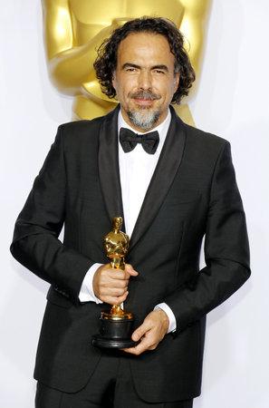 第 88 回のアカデミー賞 - プレスルームでアレハンドロ ・ ゴンザレス イナリトゥは 2016 年 2 月 28 日にアメリカのハリウッドのロウズ ハリウッド ホ