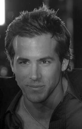 reynolds: HOLLYWOOD, CA - DECEMBER 07, 2004: Ryan Reynolds at the Los Angeles premiere of Blade: Trinity held at the Graumans Chinese Theater in Hollywood, USA on December 7, 2004. Editorial