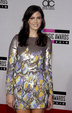 マンディムーア 2010 アメリカ音楽賞では、2010 年 11 月 21 日にロサンゼルスのノキア劇場 l. a. ライブで開催。クレジット: Lumeimages.com 報道画像
