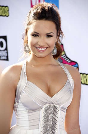 palladium: Demi Lovato at the 2011 Do Something Awards held at the Hollywood Palladium in Hollywood on August 14, 2011.