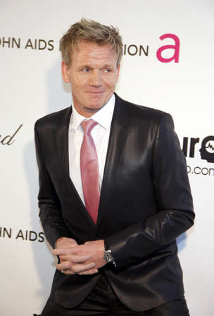 Gordon Ramsay an der 21. jährlichen Elton John Aids-Grundlagen-Akademie-Preis-Betrachtungs-Partei gehalten an der pazifischen Design-Mitte in West-Hollywood am 24. Februar 2013 in Los Angeles, Kalifornien. Standard-Bild - 53570185
