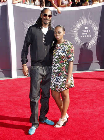 snoop: Snoop Dogg and Cori Broadus at the 2014 MTV Video Music Awards held at the Forum in Los Angeles, USA on August 24, 2014.