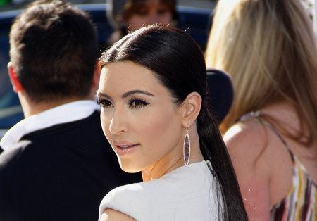 キムカーダ シアン大賞 2011 は何かは、2011 年 8 月 14 日にハリウッドでハリウッドパラディアムで開催。 報道画像