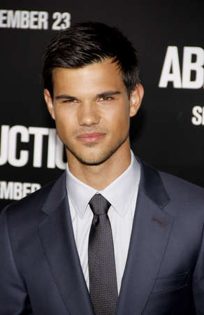 abduction: Taylor Lautner at the Los Angeles premiere of Abduction held at the Graumans Chinese Theater in Los Angeles on September 15, 2011.