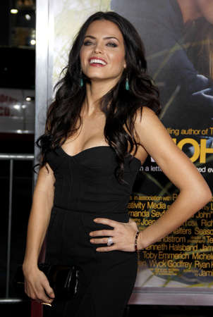 Jenna Dewan at the Los Angeles premiere of Dear John held at the Graumans Chinese Theatre in Hollywood on Februaty 1, 2010.