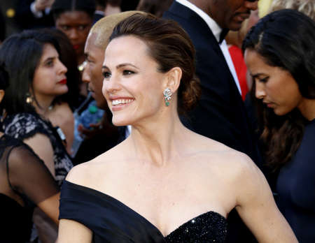 jennifer: Jennifer Garner at the 88th Annual Academy Awards held at the Dolby Theatre in Hollywood, USA on February 28, 2016.