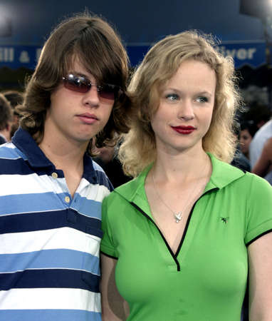 WESTWOOD, CA - JULY 07, 2004: Bolt Birch and Thora Birch at the World premiere of 'I, Robot' held at the Mann Village Theatre in Westwood, USA on July 7, 2004. Redactioneel