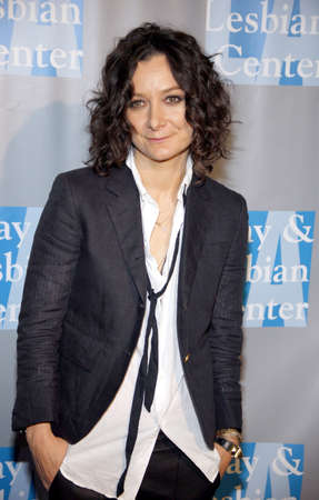 gilbert: Sara Gilbert at the L.A. Gay and Lesbian Centers An Evening With Women held at the Beverly Hilton Hotel in Beverly Hills, USA on May 19, 2012.