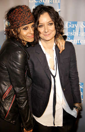 gilbert: BEVERLY HILLS, CA - MAY 19, 2012: Linda Perry and Sara Gilbert at the L.A. Gay and Lesbian Centers An Evening With Women held at the Beverly Hilton Hotel in Beverly Hills, USA on May 19, 2012.