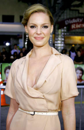 katherine: Katherine Heigl at the Los Angeles Premiere of Knocked Up held at the Mann Village Theatre in Westwood, USA on May 21, 2007.