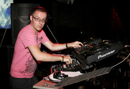 spins: British superstar deejay Judge Jules spins at Club Vanguard in Hollywood, USA on April 28, 2007. Editorial