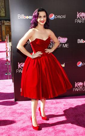 """part of me: Katy Perry en la premier de Los Ángeles de """"Katy Perry: Parte de mí"""" celebró en el teatro chino de Grauman en Hollywood, los EEUU el 26 de junio de 2012. Editorial"""