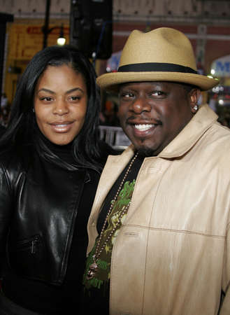 entertainer: Cedric The Entertainer at the Los Angeles fan screening of Mission: Impossible 3 held at the Graumans Chinese Theatre in Hollywood, USA on May 4, 2006. Editorial