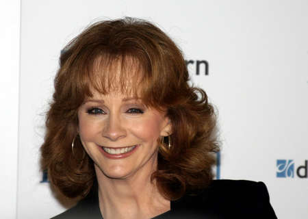 west hollywood: Reba McEntire at the Ladies Home Journal honors Funny Ladies We Love held at the Pearl in West Hollywood, USA on February 2, 2005.