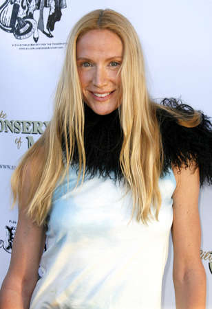 conservatory: Kelly Lynch at the 3rd Annual Hullabaloo to benefit the Silverlake Conservatory of Music held at the Henry Ford Music Box Theater in Hollywood, USA on May 5, 2007.